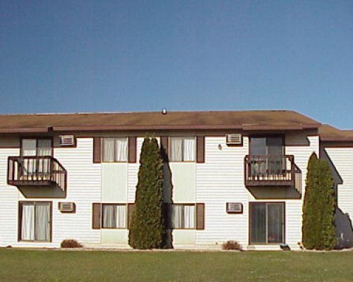 411 Cook Street La Crosse  River Park Apartments. Listing  LCX 129   411 Cook Street  La Crosse   APARTMENT