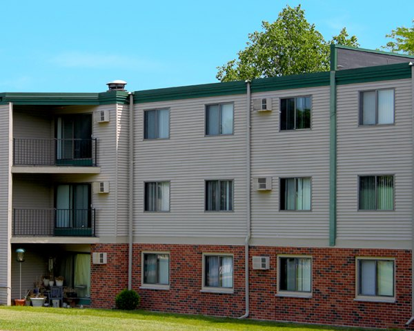 Listing lcx 308 1575 homer road winona mn apartment connextion rental guide wisconsin for 1 bedroom apartments winona mn